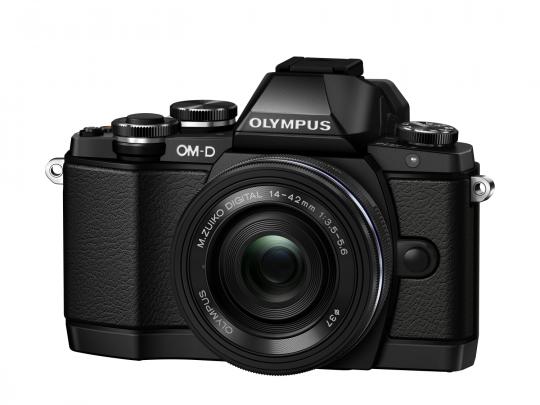 Olympus E-M10 black + M.Zuiko 14‐42mm F3.5‐5.6 EZ